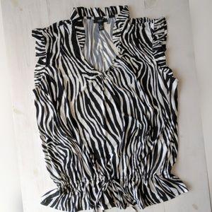 Alfani Woman ruffle v-neck sleeveless top 1X